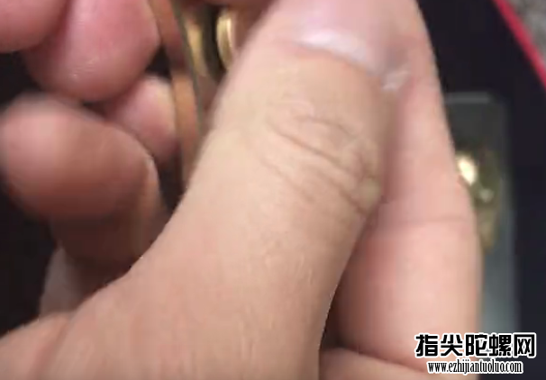 风靡全国的指尖陀螺花式