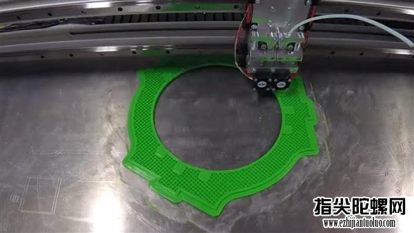 恐怕是全球最大最重的:3D打印<a target=_blank  data-cke-saved-href='http://www.tl6.net' href='http://www.tl6.net'>指尖陀螺</a>