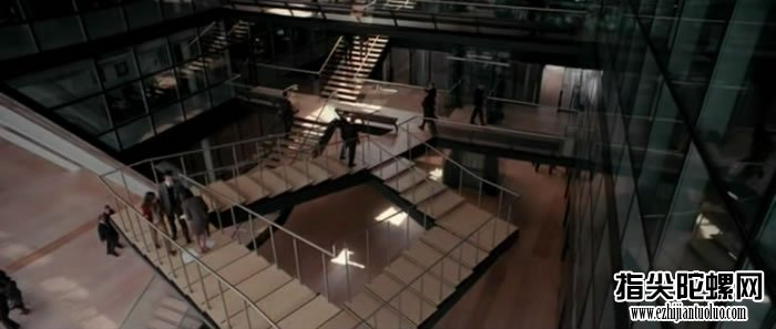 """美国罗彻斯特理工学院竟然有座楼梯将""""潘洛斯阶梯""""这个空间幻象实践打造出来?"""
