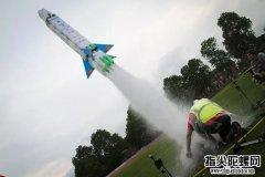 有趣的水火箭发射图片,看看黑科技水火箭新花样