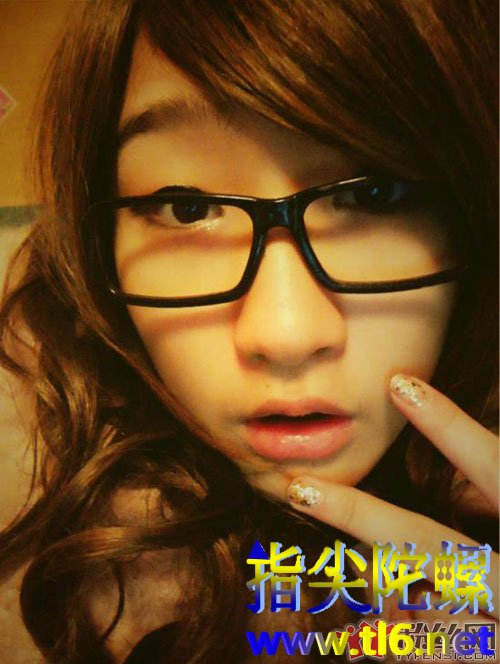 陈珂妮空间照片泄露 现在的姑娘真悲催并且还那么丑